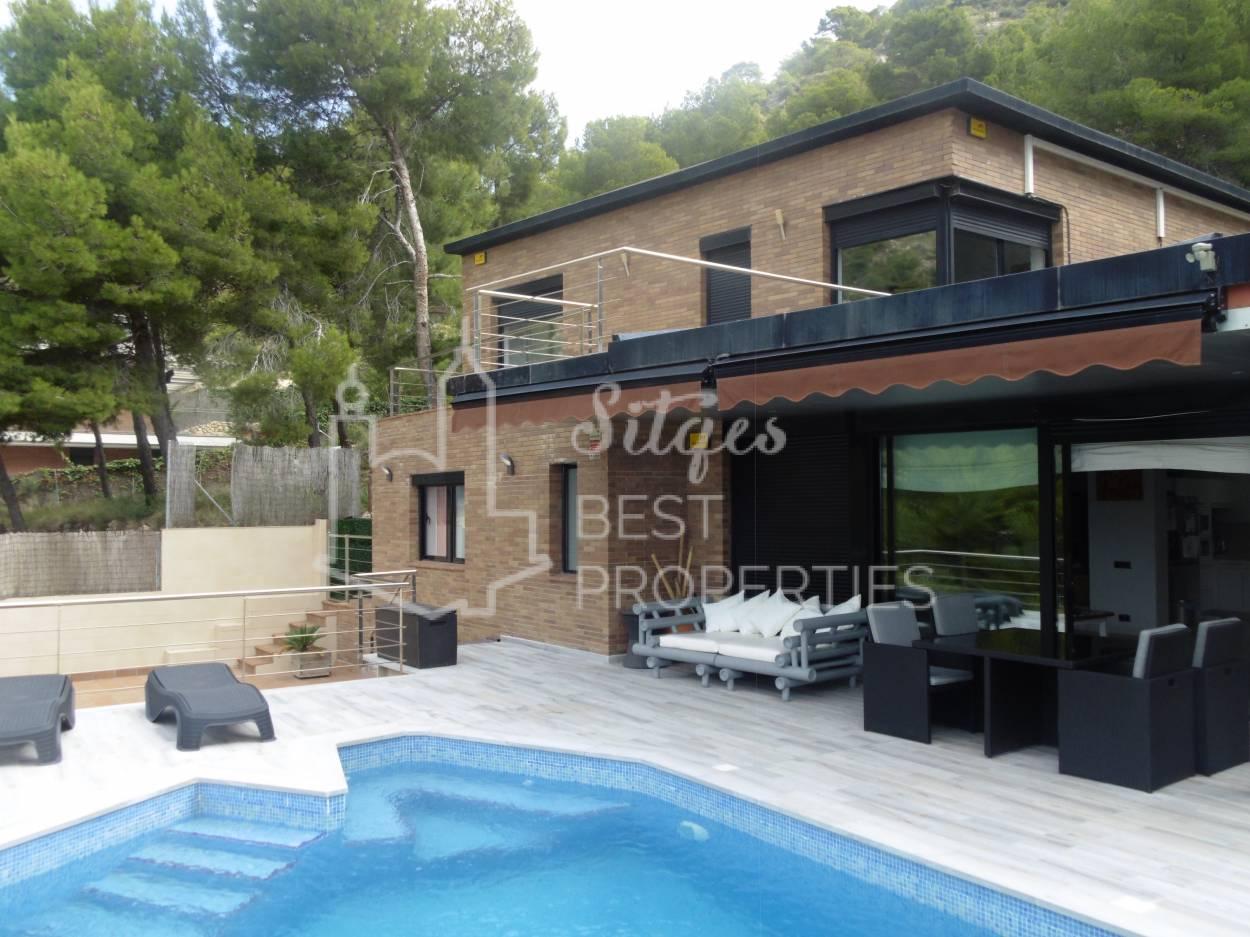 Exclusive Sea Views Modern Villa